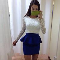 Красивое платье с баской, верх гипюр синее