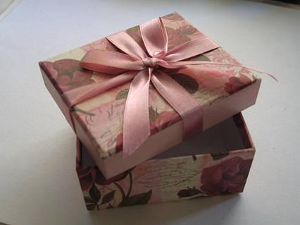 Упаковка Подарунків. Подарункова упаковка. Подарункове оформлення іграшки до 20 см, до 30 см, до 60см