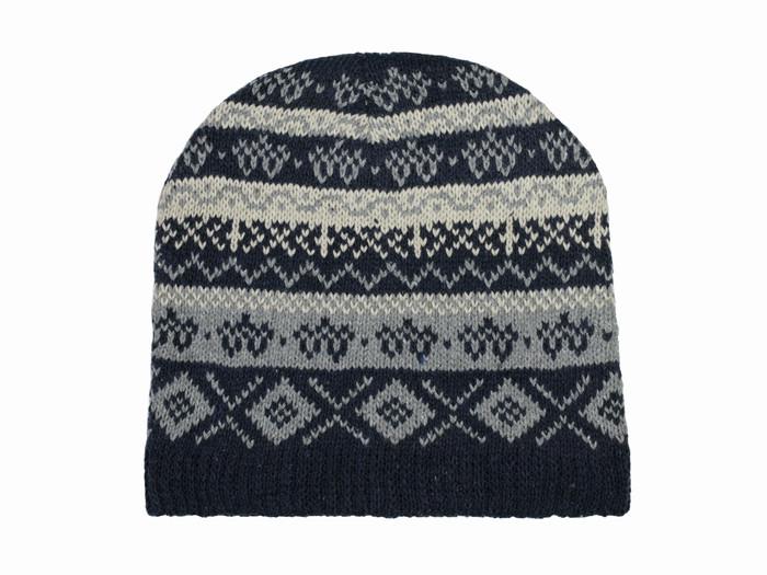 Мужская зимняя шапка вязаная