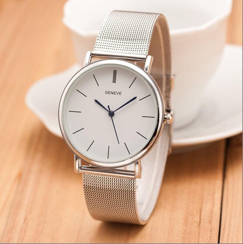 Женские часы Geneve с белым циферблатом на стальном ремешке серебристые