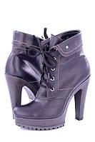 Кожаные женские ботинки цвет черный р