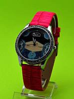 """Женские наручные часы на красном кожаном ремешке """"Синий калейдоскоп"""""""