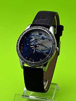 """Женские наручные часы на черном кожаном ремешке """"Ночной ковыль"""""""