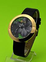 """Женские наручные часы на черном кожаном ремешке """"Черная орхидея"""""""