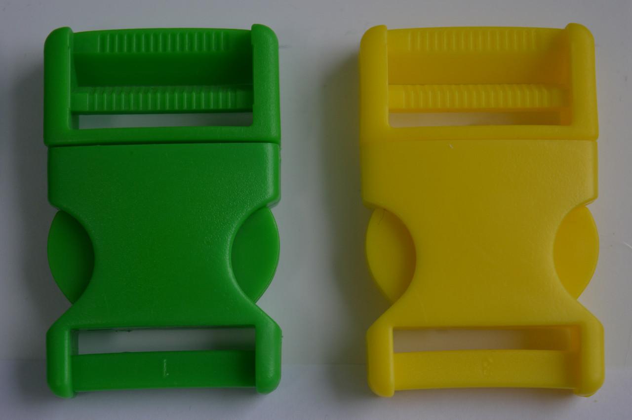 Світло зелений колір карабін фастекс 3см