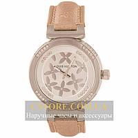 Наручные женские часы Бельгийские Louis Vuitton silver white
