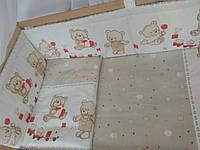 """Бортики и комплект постельки из 3х ед в детскую кроватку -""""Мишки игрушки""""."""