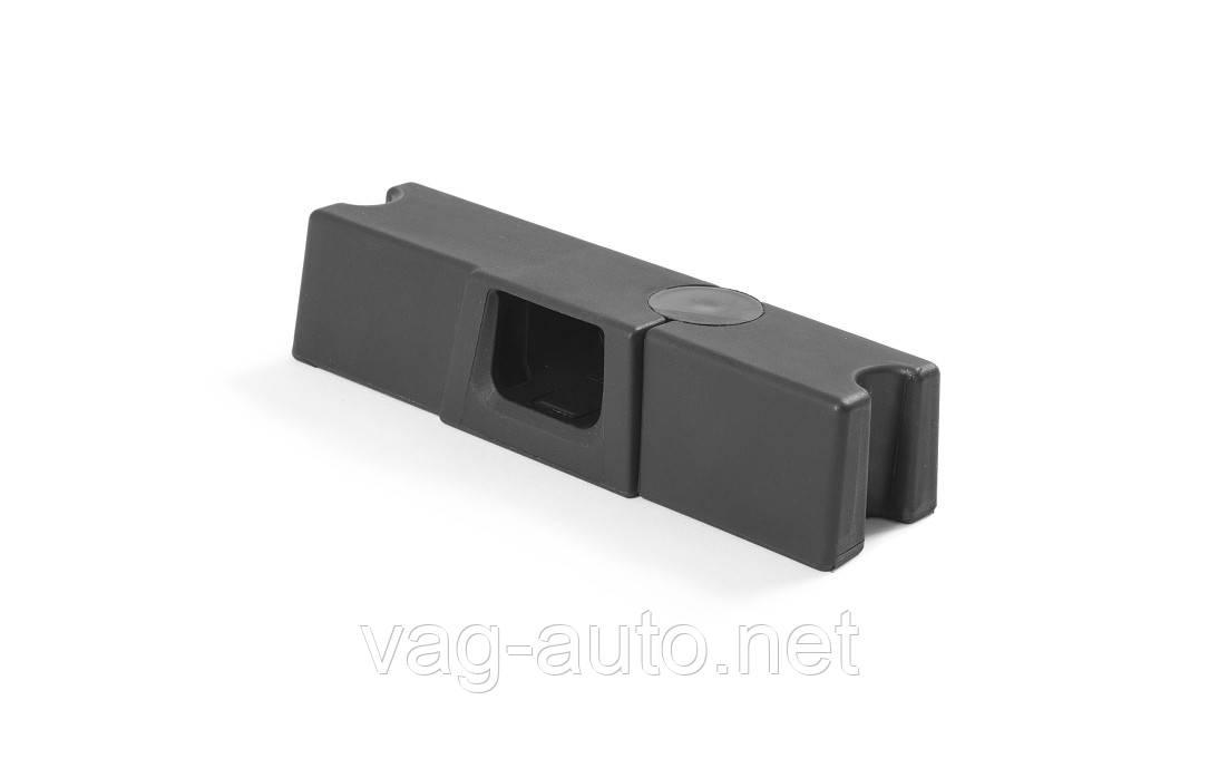 Адаптер для власника смартфона і планшета і вішалки Skoda Kodiaq