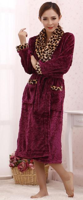 - Халаты женские