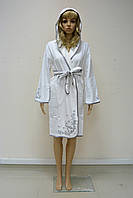 Халат женский короткий с капюшоном NS-00615 Nusa белый, S