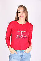 Яркая теплая кофта Шанель красного цвета с рисунком на груди