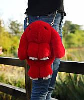 Сумка-рюкзак Кролик Fendi из натурального меха красная