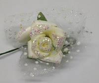 Цветок - розочка молочная 2.5 см, с блестками и тканью