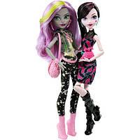 Куклы монстер хай сет Дракулаура и Моаника Ди Кей - Страшные танцы Добро пожаловать в школу Монстров.