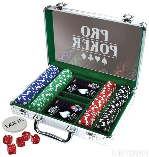 Покерные наборы, рулетки, карты