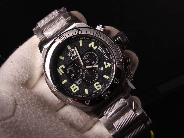 Реально модель выглядит еще лучше. Посмотрите мои объявления. Есть другие  версии часов Invicta . Возможно привезти под заказ другие серии этого  бренда. c866c82780d