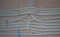Монтаж провода в гофре