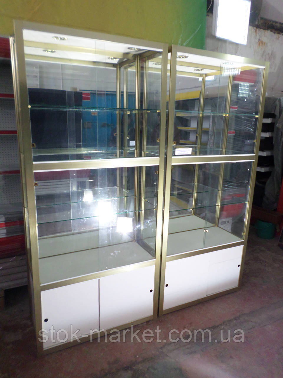 Витрина стекляная, прилавок под стекло, стеллаж стекляный, витрина для выставки товара под стеклом, шкаф со ст
