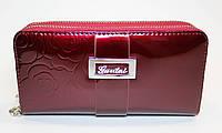 Женский лакированный кошелек на две молнии бордовый