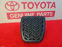 Toyota RAV4  Yaris 11-14 Накладка педали сцепления  Новая Оригинал