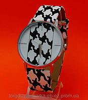 Женские наручные часы на ремне