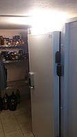 Холодильная дверь (вид снаружи)
