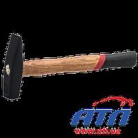 30-030 Молоток слесарный с деревянной ручкой  300гр.(014809)