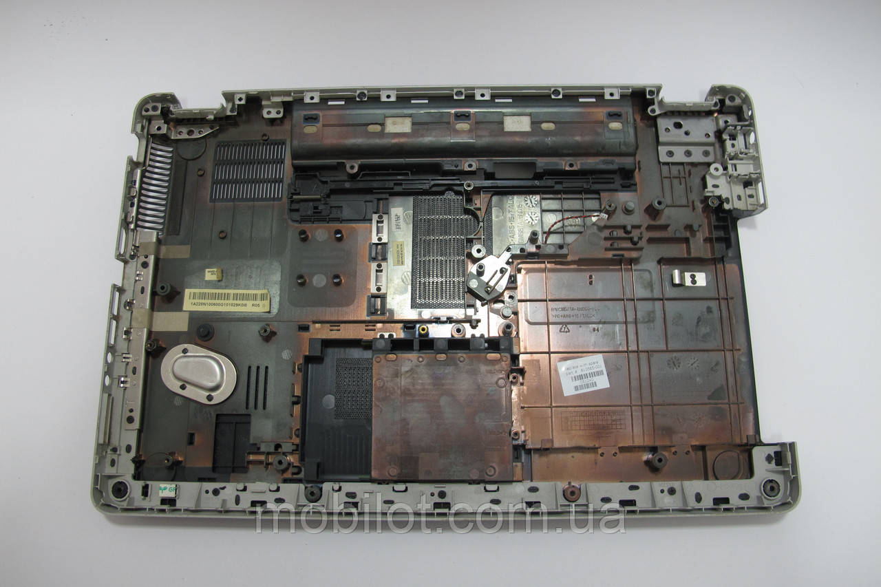 Часть корпуса (Поддон) HP G62-B52SR (NZ-350)