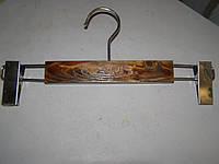 Вешалка модельная брючная  деревянная К-3