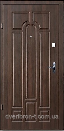 Входная дверь Форт Премиум Классик улица орех коньячный 860х2050