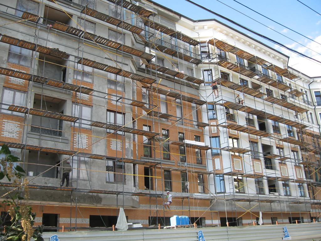 """Фасадные работы, отделка фасада жилого комплекса """"На Бакулина"""" 6"""