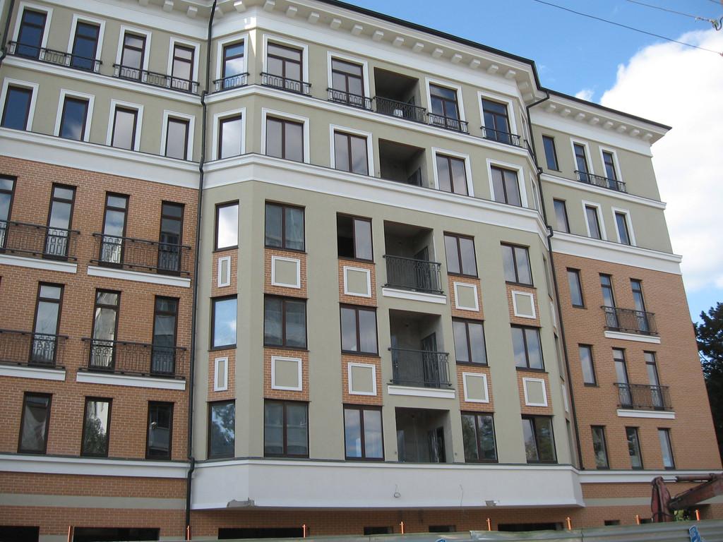 """Фасадные работы, отделка фасада жилого комплекса """"На Бакулина"""" 8"""