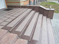 Входная группа (лестницы и ступени из Токовского гранита для крыльца)