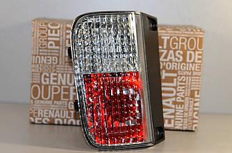 Задній протитуманний ліхтар на Renault Trafic 2006-> L — Renault (Оригінал) - 8200968070