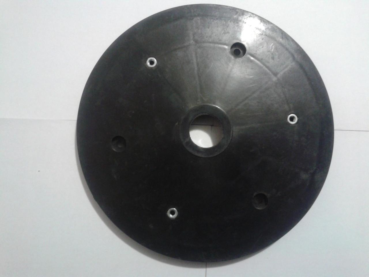 полудиск прикатывающего колеса к сеялке кинзе GD 9120  KINZE