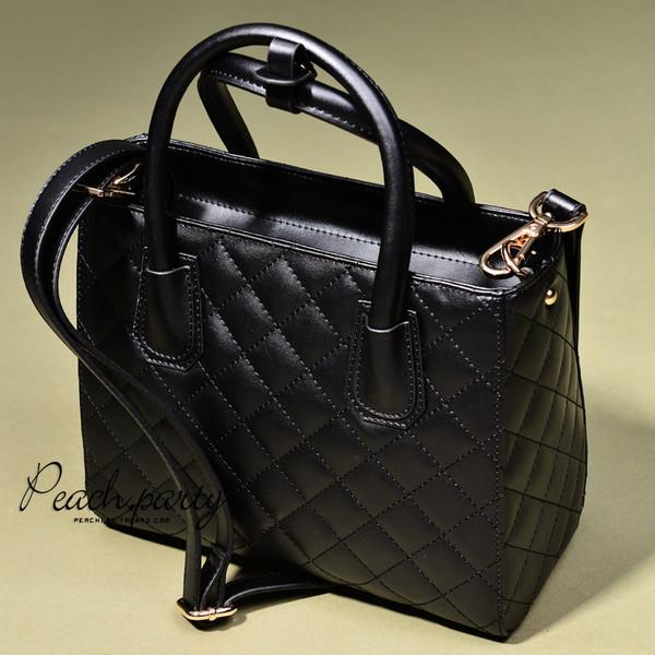 Черная стеганая кожаная сумка в стиле Chanel - Tomi - магазин для всей  семьи в Киеве cdcf0f5c376