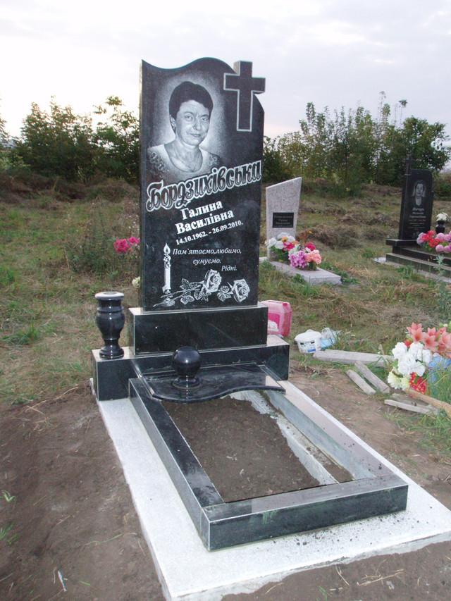 памятники надгробия
