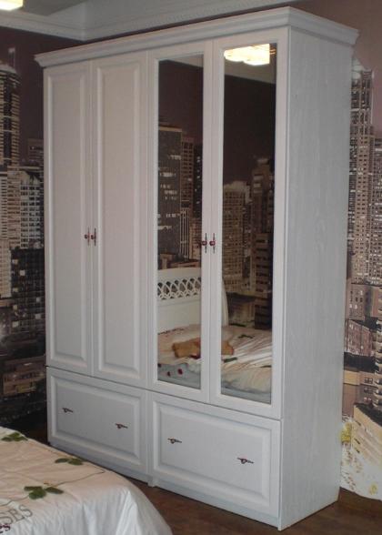 Шкаф 1800х600х2200 с зеркалом  из крашеного  МДФ