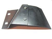 Чистик диска сошника наружный (правый / левый) сеялки John Deere AA26443 / AA26444