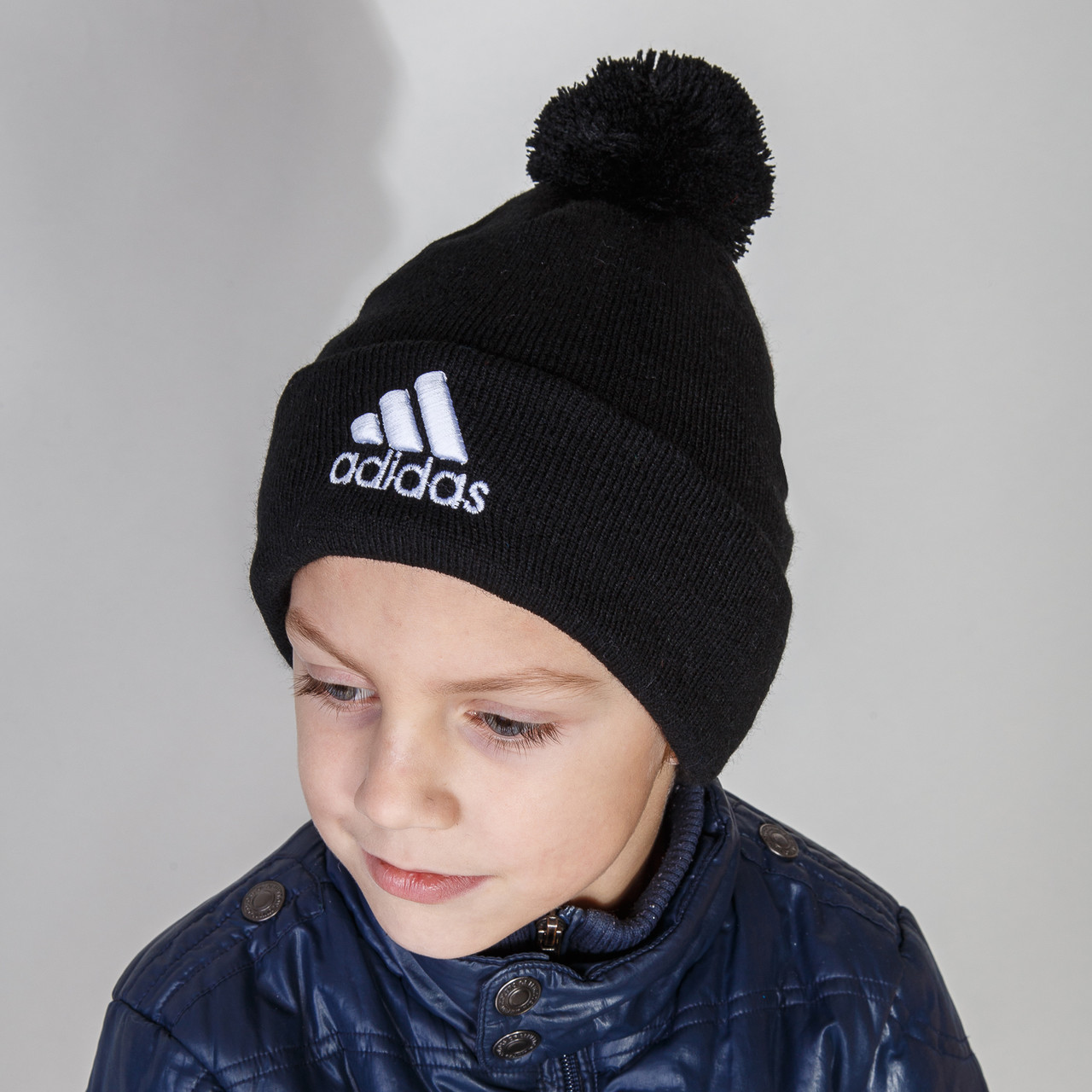 Брендовая шапка на зиму для мальчика с помпоном Adidas (реплика) оптом - Артикул 2858