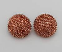 Красивые стильные женские серьги кораллового цвета в форме кругов от H&M