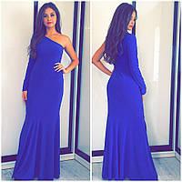 Вечернее платье в пол с одним рукавом расклешенное к низу синее