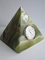 Часы - пирамида из Оникса