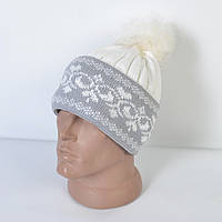 Женская вязанная шапка с меховым помпоном - вензеля - Код 29-585