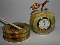 Часы - яблоко из Оникса
