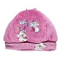 Шапка малышковая на девочку розовая. велюровая,  принт - две мышки, аппликация - два цветка со стразами, внутр