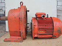 Мотор-редуктор цилиндрический двухступенчатый соосный 2МЦ2С-125 7,5 кВт 4AM132S4