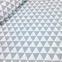 Ткань польская серые треугольники на белом 135 г/м2 №254
