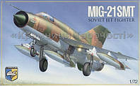 Сборная модель: MiG-21 SMT Soviet multipurpose fighter, фото 1