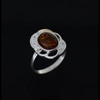 Серебряное кольцо с золотыми пластинами и янтарь 0096